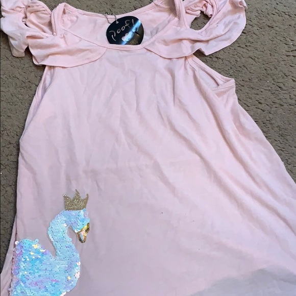 Pink Swan Poof! top Girls size L